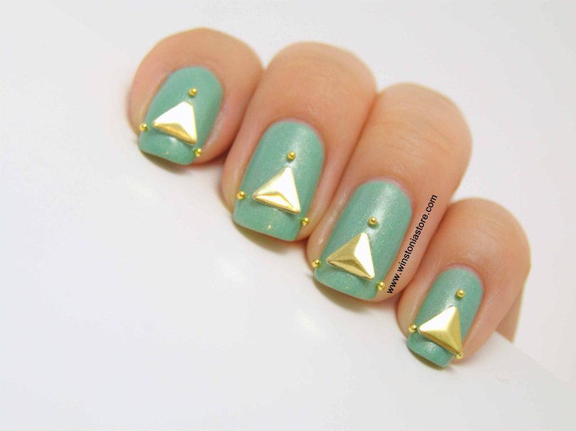 Triangle Studded Nails